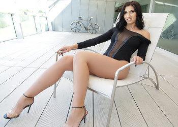 Imagen Acaba en la terraza abierta de piernas y enculada sin descanso