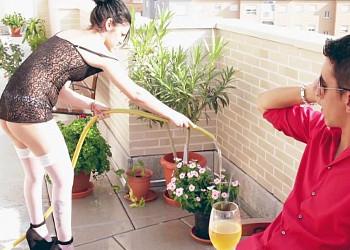 Imagen Ana Marco deja de limpiar para dejar que su jefe le meta el rabo