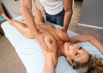 Imagen Brandi Love quiso que el masajista le hiciese de todo
