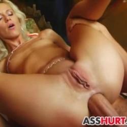 Imagen Brutal anal a un culo de goma