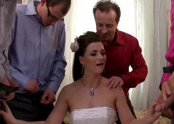 Imagen Celebra su boda con un bukkake gracias a varios chicos