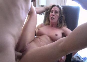 Imagen Cherie Deville se mete en un hotel y su follamigo la destroza
