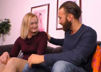 Imagen Divorciada pierde la timidez y se abre de piernas para su joven ligue