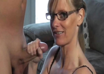 Imagen Esposa caliente convence a su marido para grabar porno juntos