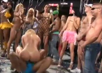 Imagen Fiesta de carnaval acaba en orgía con varias brasileñas