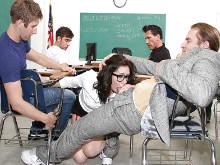 Imagen Gangbang para la profesora cachonda