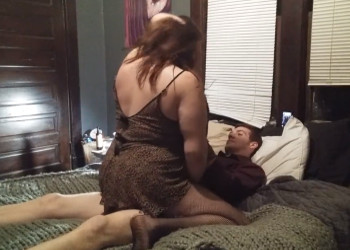 Imagen Gorda infiel queda con su joven amante para pasar un buen rato