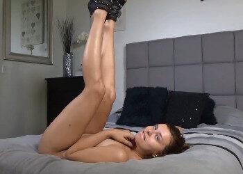Imagen Lluvia dorada y sexo anal mientras lo graba todo en primera persona