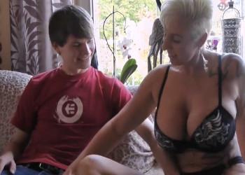 Imagen Milf alemana se lleva a casa para follar a un joven muy salido