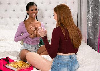 Imagen Nia Nacci enseña a besar a su amiga y terminan teniendo sexo