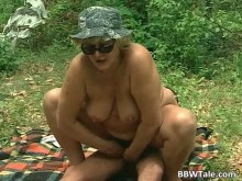 Imagen Se apunta al picnic con esta señora obesa