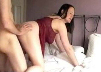 Imagen Su esposa le recibe a cuatro patas y acaba pidiéndole un creampie