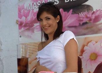 Imagen Turista se liga a una española que acaba follada en público